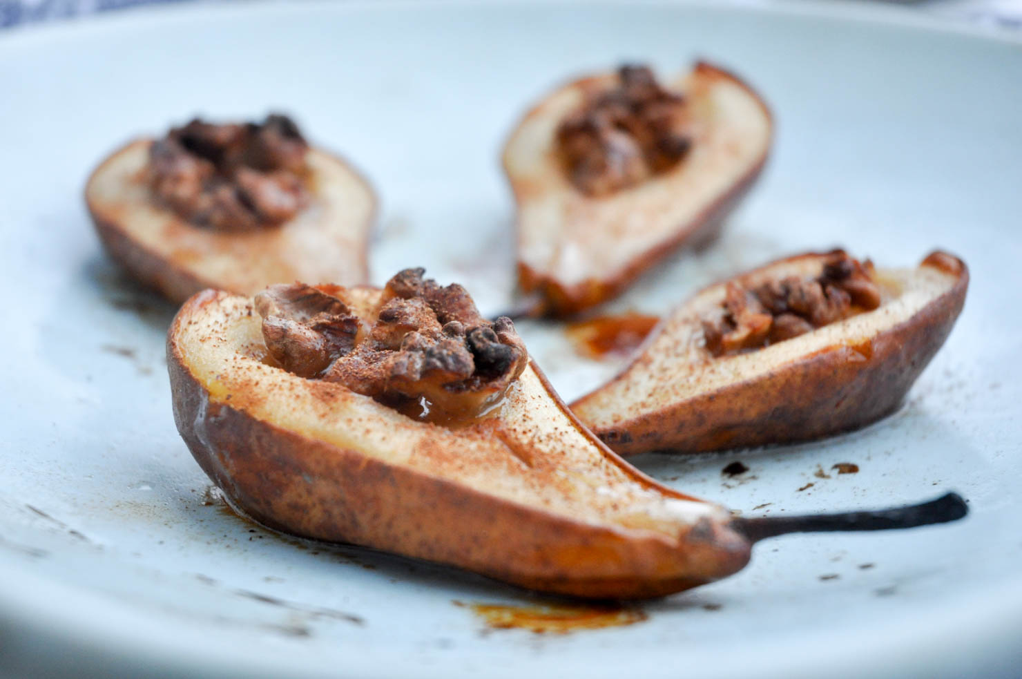 bakte pærer med glaserte valnøtter-1